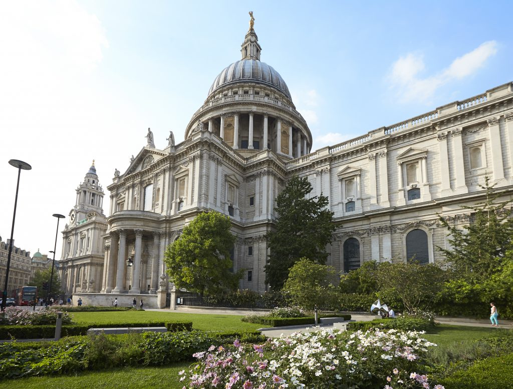 England Chauffeur Driven Tour - St Paul's Cathedral