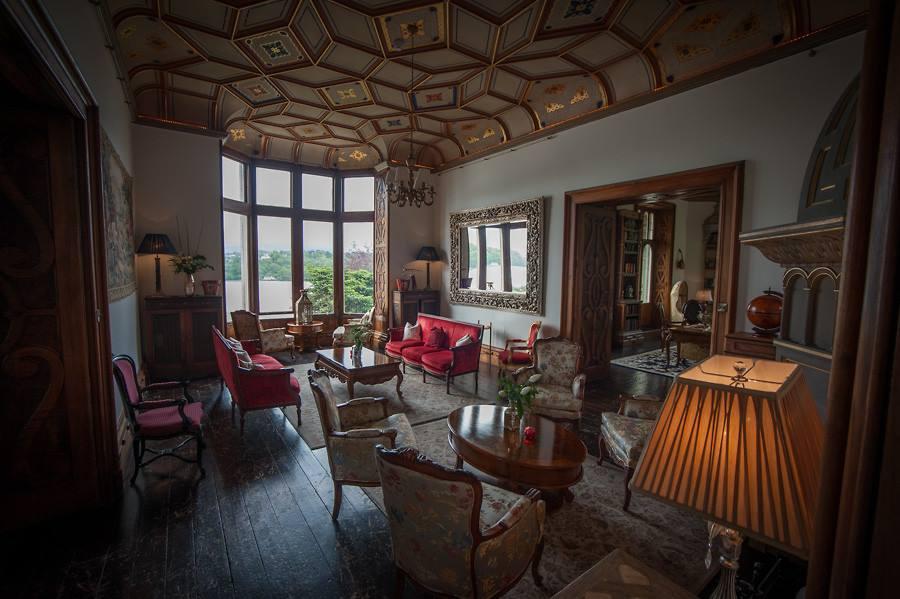 Wales Castle Vacations - Chateau Rhianfa Interior