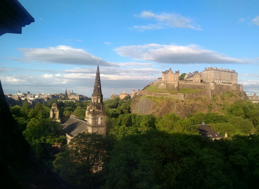 Scotland Chauffeur Driven Tours - Edinburgh Castle, Edinburgh