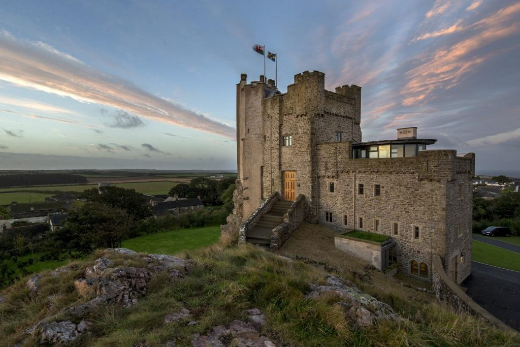 Wales Castle Vacations - Roch Castle