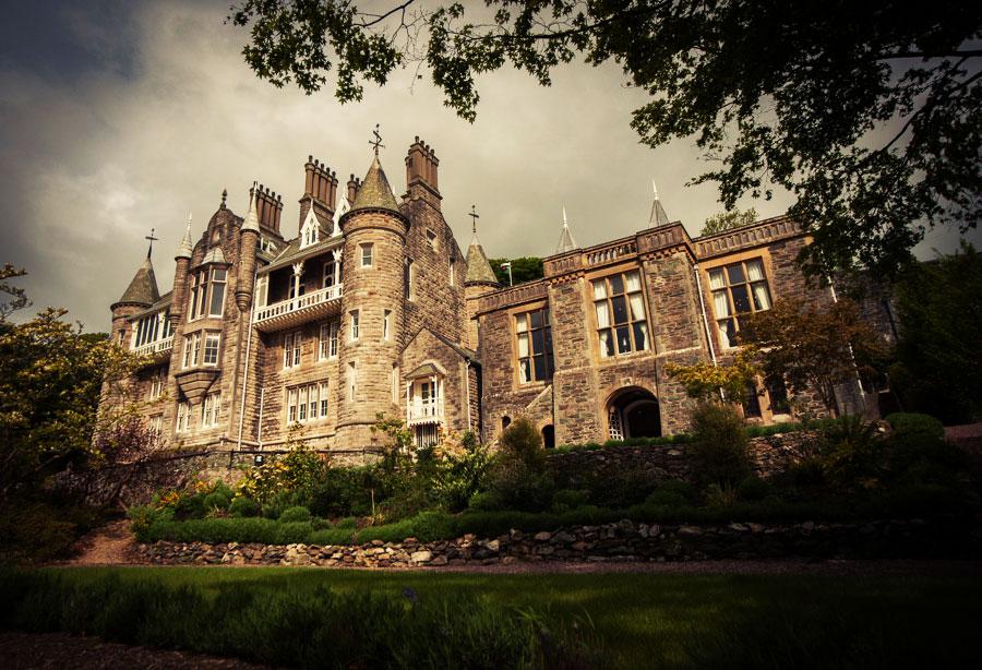 Custom Wales Castle Tours - Chateau Rhianfa
