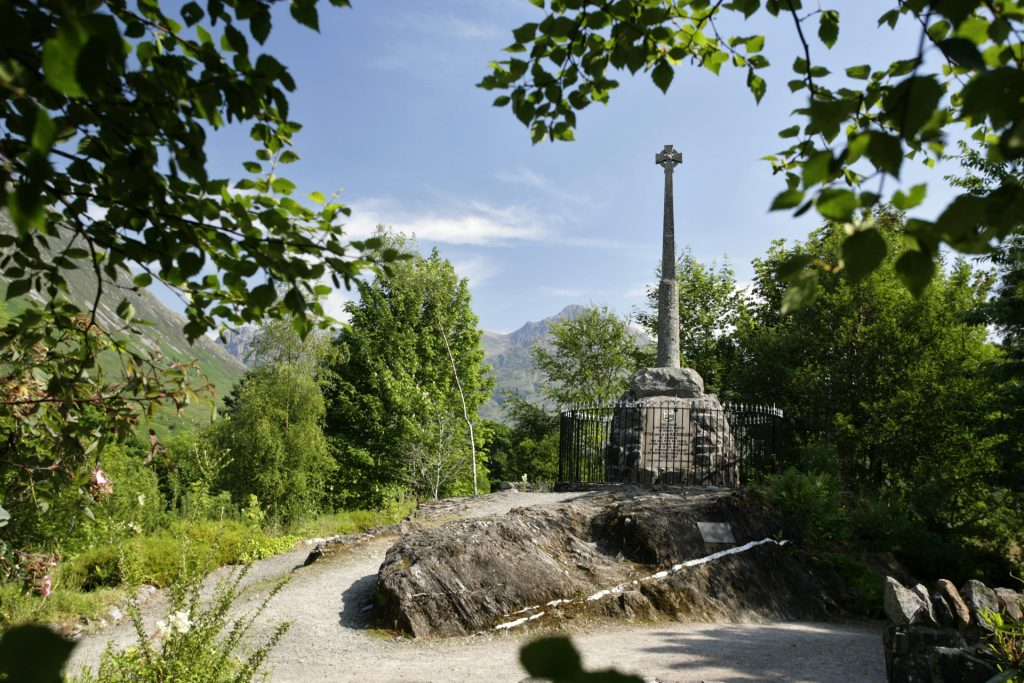 Scotland Chauffeur Driven Tours - Glencoe Monument