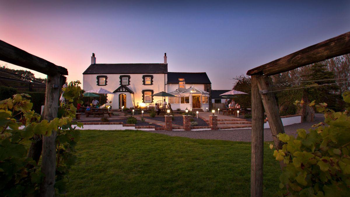 Wales Honeymoons-llanerch hotel